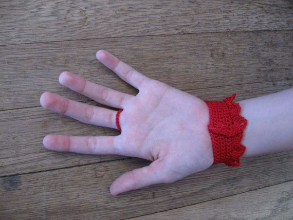 RED Valentine Victorian Fingerless Gloves