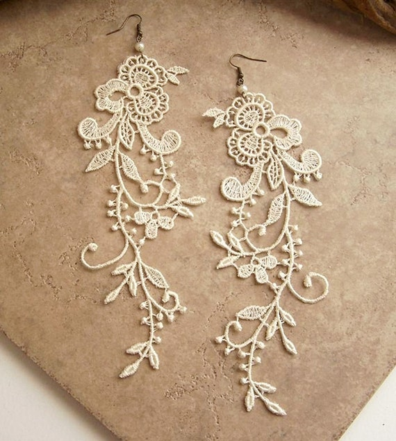 Wisteria ivory lace floral earrings