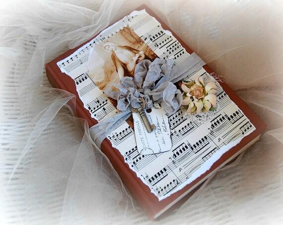 Измененные книга, смешанная техника, книги, Синди Эдкинс, изменяются, кружева