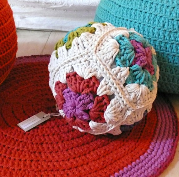 Pillow Ball Crochet - Granny Square