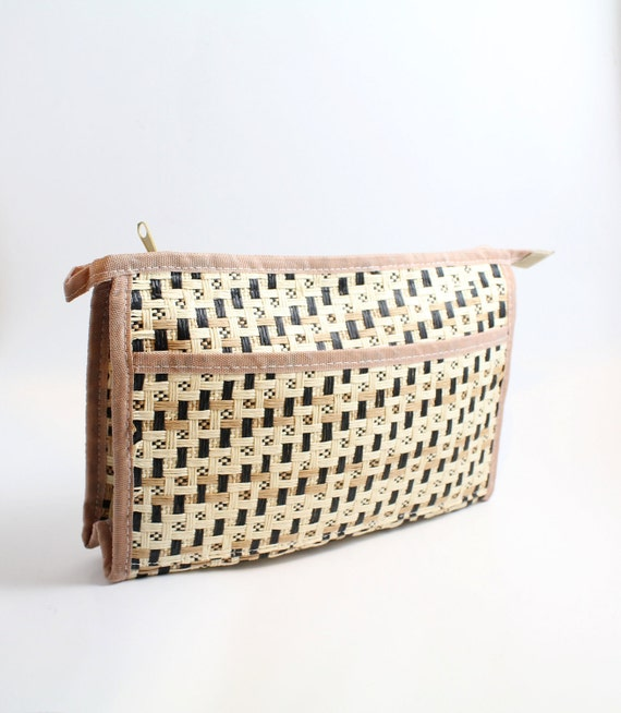 70s vintage clutch / plain weave straw bag / woven makeup bag