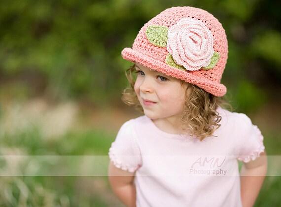 پنبه دختران قلاب دوزی cloche گل در رنگ هلو. 3T -- 4T و یا هر اندازه. عکس Prop. دستباف در کلرادو.