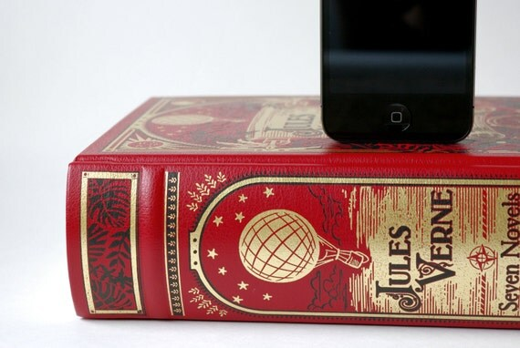 Jules Verne Book Charging Dock for iPhone and iPod