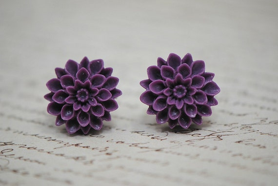 Purple MUM Chrysanthemum Stud Earrings - Violet Love