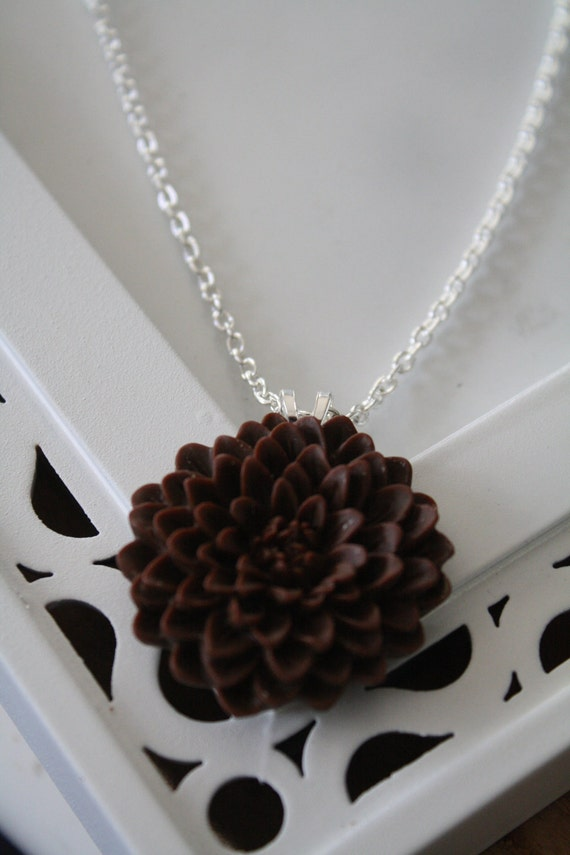 CINNAMON - Chrysanthemum Cabochon Pendant Necklace on a Silver Chain
