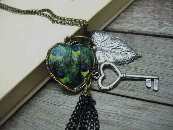 Antique copper necklace with vintage heart & leaf pendant