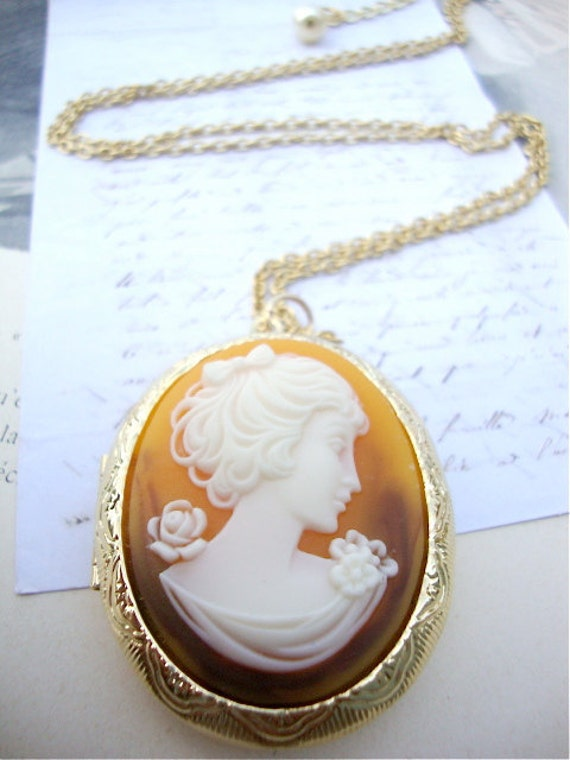 Amber Long locket Necklace