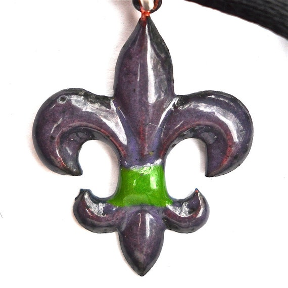 fleur de lis necklace by designoptions on Etsy from etsy.com