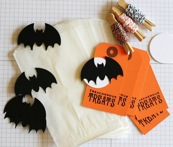 10 Gift Wrapping / Scrapbooking Kit / Card Making -Halloween Tag Set