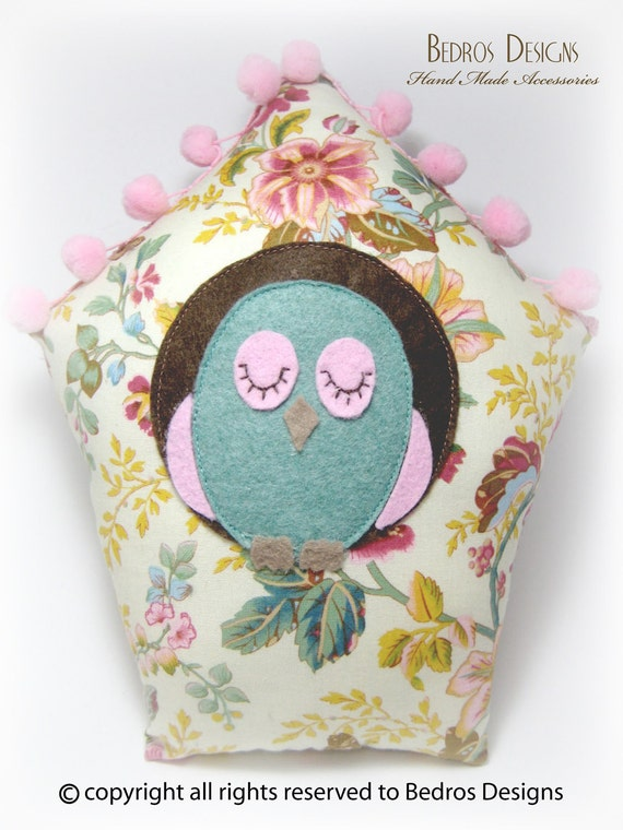 Bird House Cushion - Cream