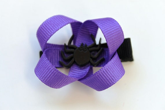 Ribbon Daisy Halloween Hair Clip in Purple Ribbon with Spider Center