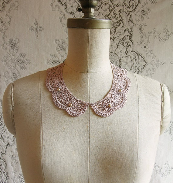 lace collar necklace -DANAE- (taupe pink)