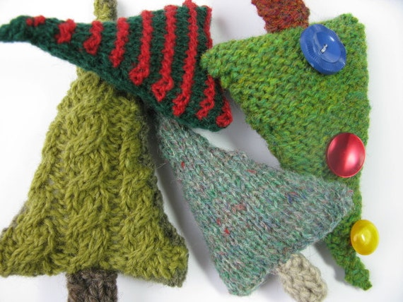 Desigrans Ideas: Christmas Tree knitting pattern pdf by madebyeweshop on Etsy