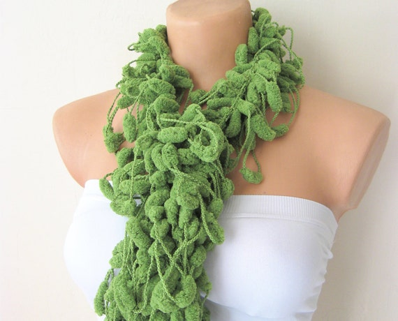 ON SALE Kivi Green Cute Pom Pom Ekstra Long Mulberry Crochet Scarf