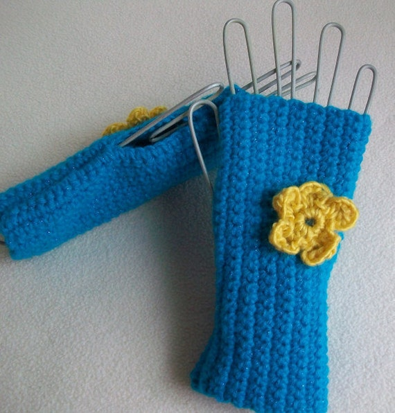 Gauntlets Wristwarmer Turquoise Yellow Flower