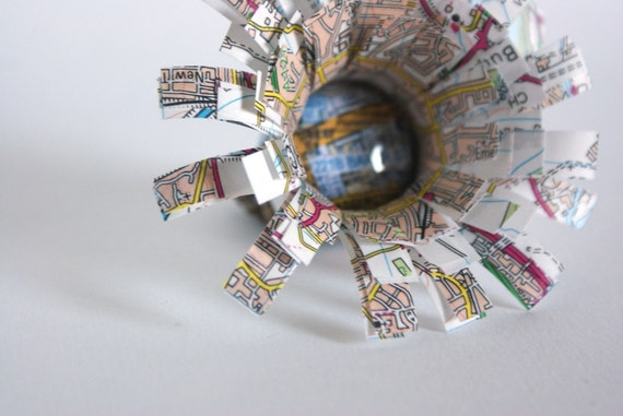 Flower brooch, Sherlock Holmes, map jewelry, London brooch