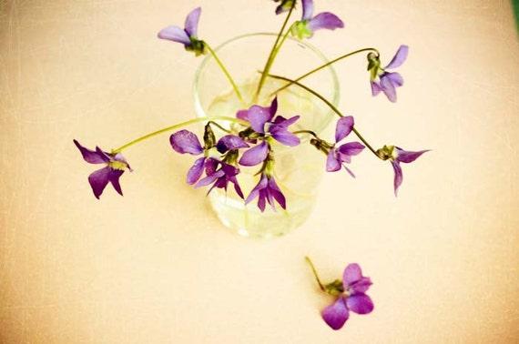 ла Виолет - ностальгический печати.  розовый потертый шик декора дома.  Весной фиолетовый цвет фотографии.  романтического искусства стены.  Питомник искусство