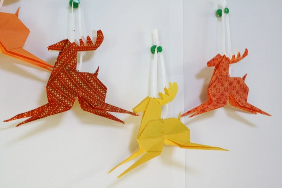 christmas crafts: origami reindeer, video tutorial