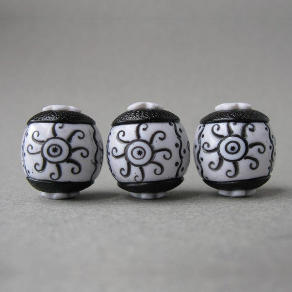 Polymer Clay Beads Set of Three Faux Ebony and Ivory