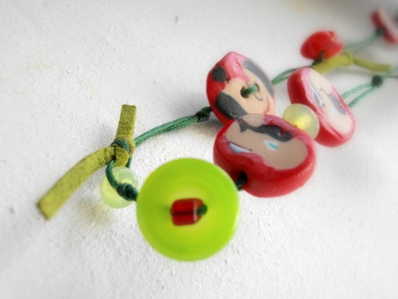 Green and red Xmas necklace