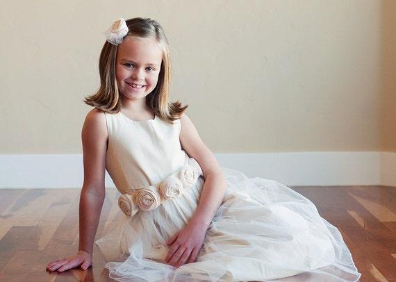 کودک نو پا و دختران گل دختر لباس عاج -- لباس ساقدوش عروس -- در پنبه یا ابریشم هزینه پستی رایگان