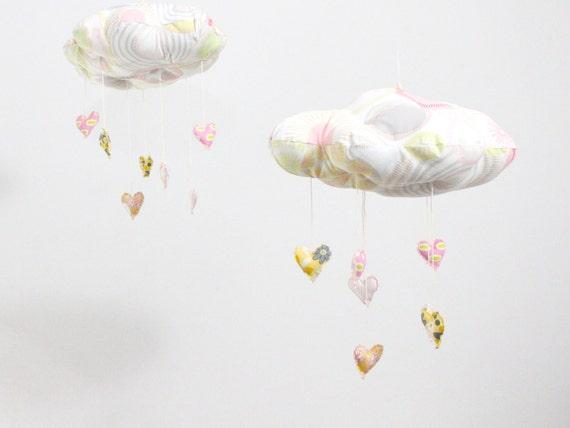 My Cloud Sweet Heart Mobile - edição limitada decoração escultura de tecido para o berçário na cor rosa, cinza, branco e amarelo-limão