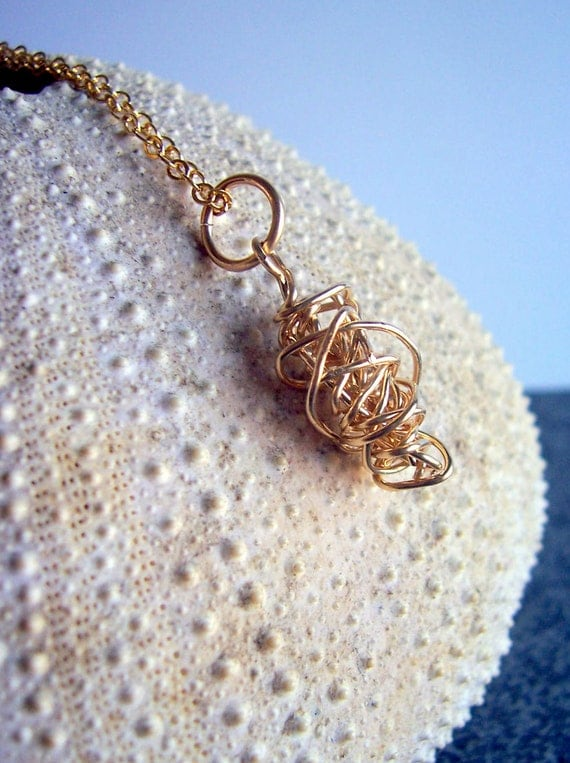 Gold twisted bead nugget necklace pendant
