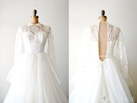 vintage 1940s lace wedding dress : ivory white 40s peplum tulle full skirt wedding dress