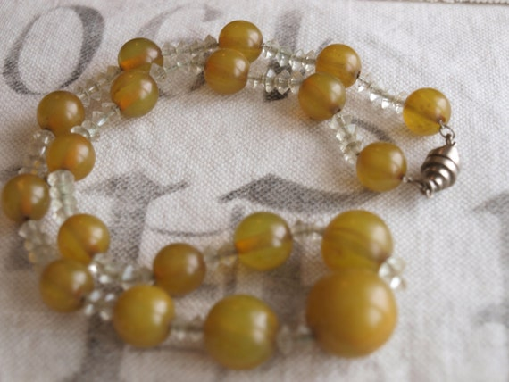 Stunning GREEN vintage necklace 40s