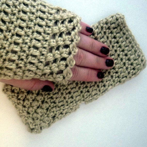 Crocheted Fingerless Gloves Bone