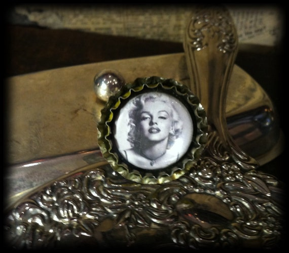 Black and White Marilyn Monroe bottle cap brooch by Wild Card Accoutrements