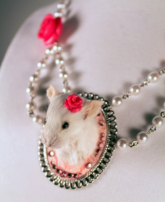 Taxidermy Mouse 'Game Head' Style Necklace in Pink
