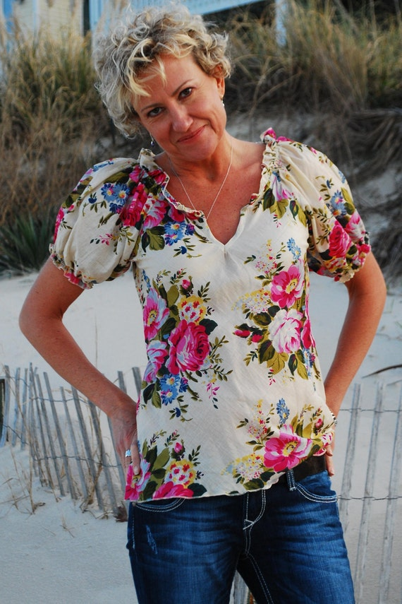 Floral blouse with puffy sleeves - Cream with multicolor flowers