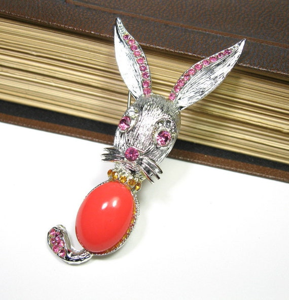 Easter Bunny, Brooch in Pink and Coral