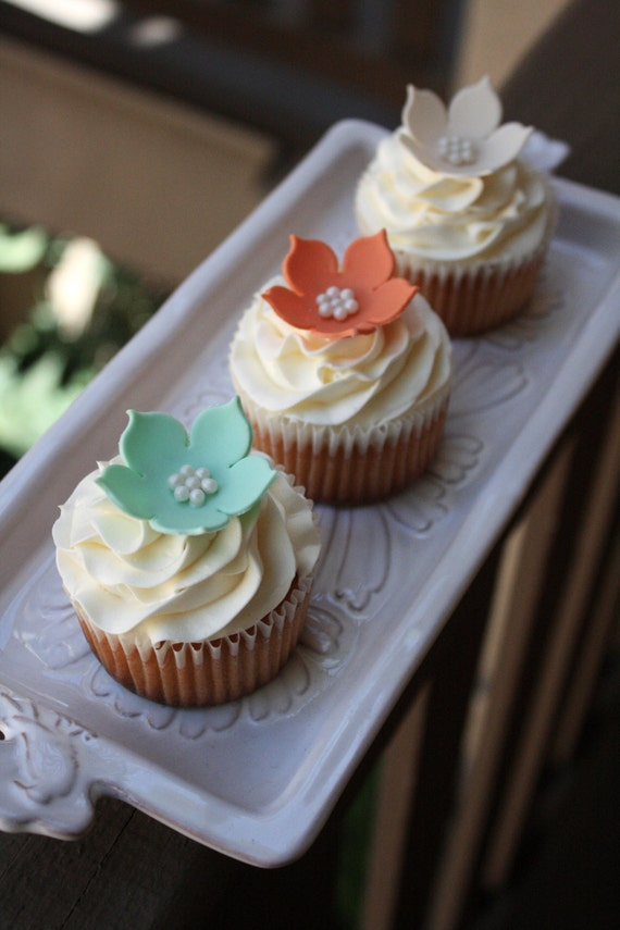 24 Sugar Flower Cupcake Toppers