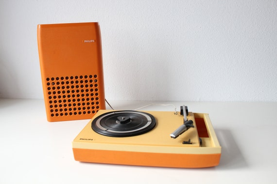 1970s Vintage Orange PHILIPS 113 PORTABLE Design Record Player Turntable, battery or main operated