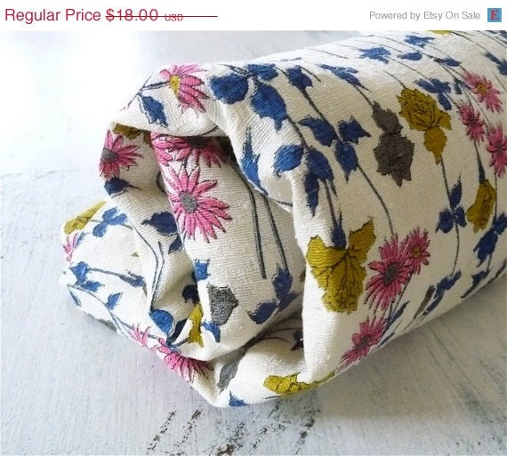 ON SALE 3 Yards of Beautiful Vintage Fabric