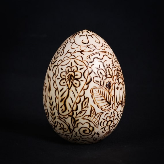Mehendi Easter Egg - Wooden Pyrography Home Decor, Holyday Decor