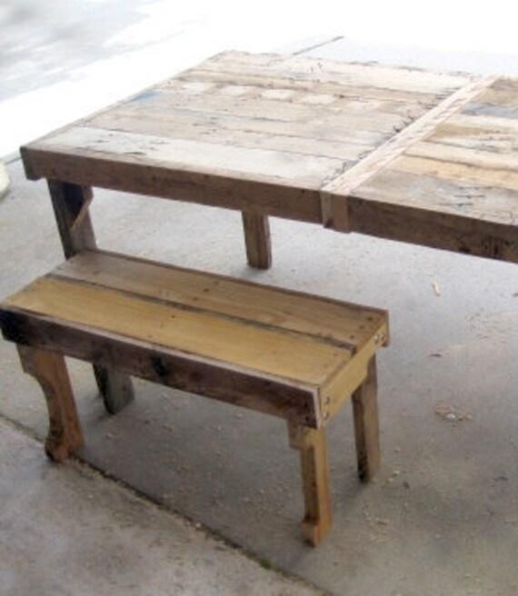 Madera asiento del banco para las tablas rústicas, reciclados de palets de madera.