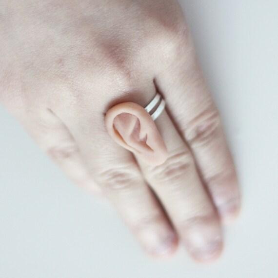 ørene eller ørerne
