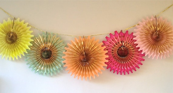 Neon Gold Punch 5 Fancy Frill Fans Tissue Garland