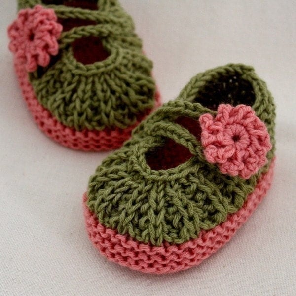 Free Knit Baby Bootie Pattern Easy : KNIT PATTERNS BOOTIES - FREE PATTERNS