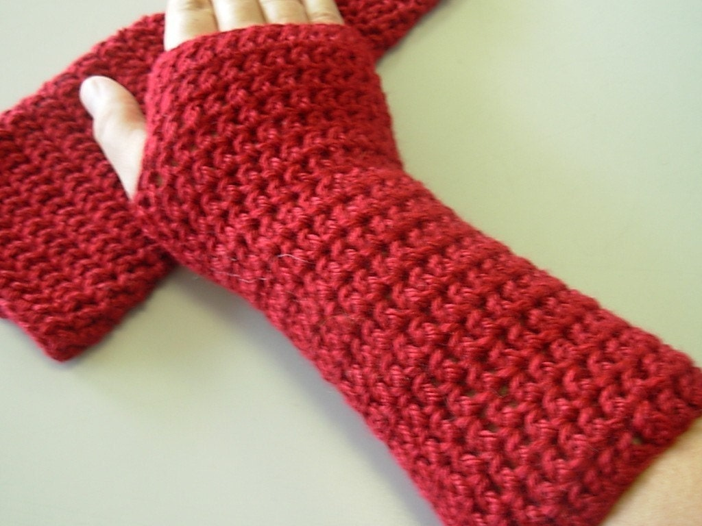 One stitch after another: Pattern roundup: fingerless mitts – Part I