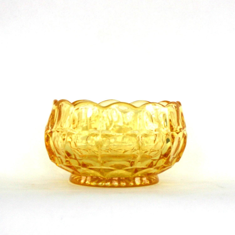 Урожай золотисто-янтарный желтый чаша зерновых стекла. Зубчатый. Candy блюдо ...