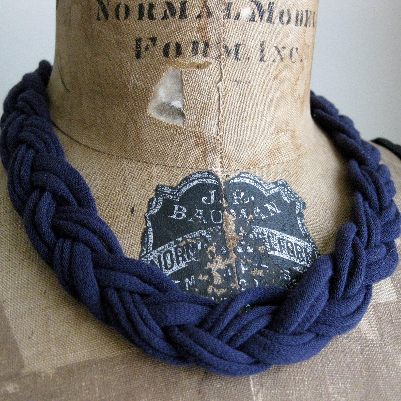 McGalver: T-shirt Yarn Crafts