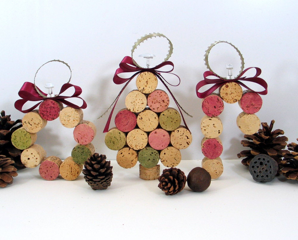 Wine cork ornaments cork ornaments and wine corks on for Cork balls for crafts