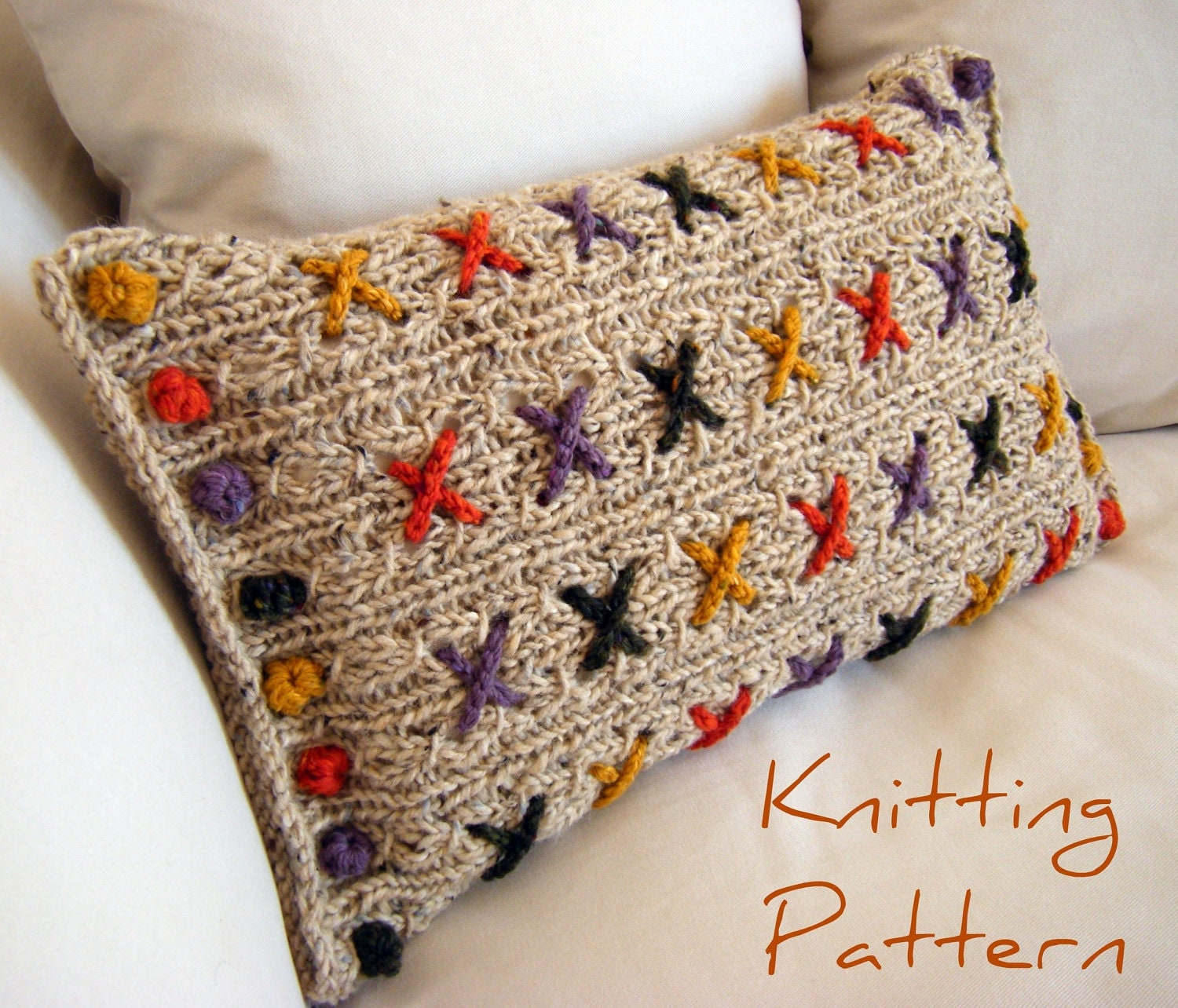 Two Tone Pillow Knitting Pattern | FaveCrafts.com