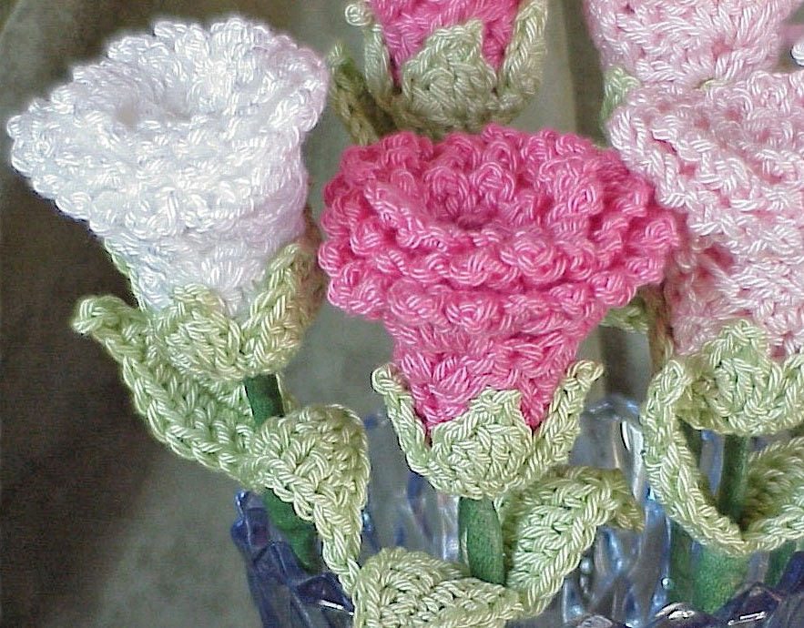 Free Crochet Long Stem Rose Pattern : CROCHET ROSES PATTERN How To Crochet