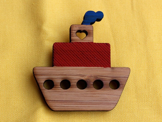 Little love boat - laser cut bamboo brooch