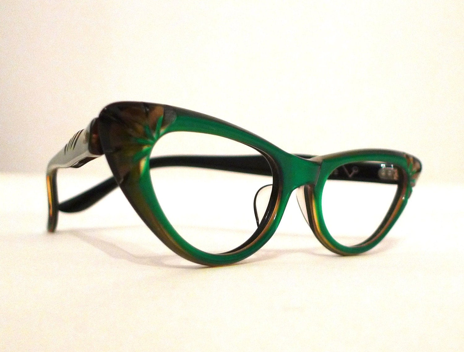 Cat Eyeglass Frames : Women s Vintage Cat Eyes OPTIK.me Select Vintage ...